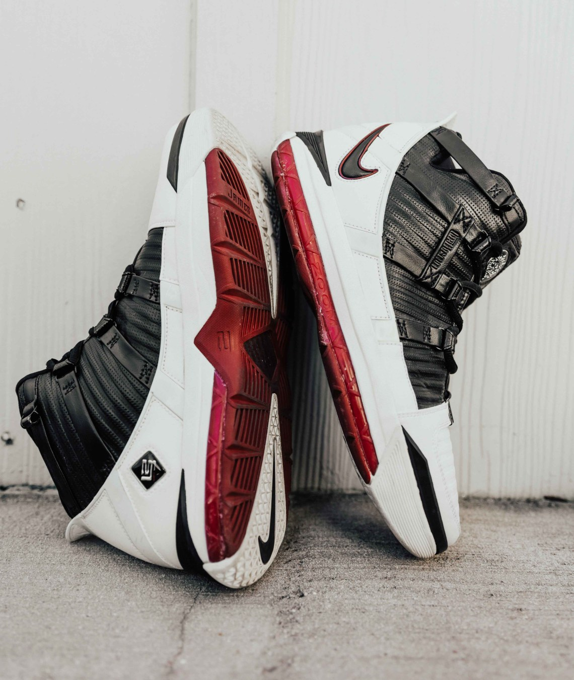 089a626ba Another Look at the Nike LeBron 3