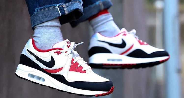 Nike Air Max Light