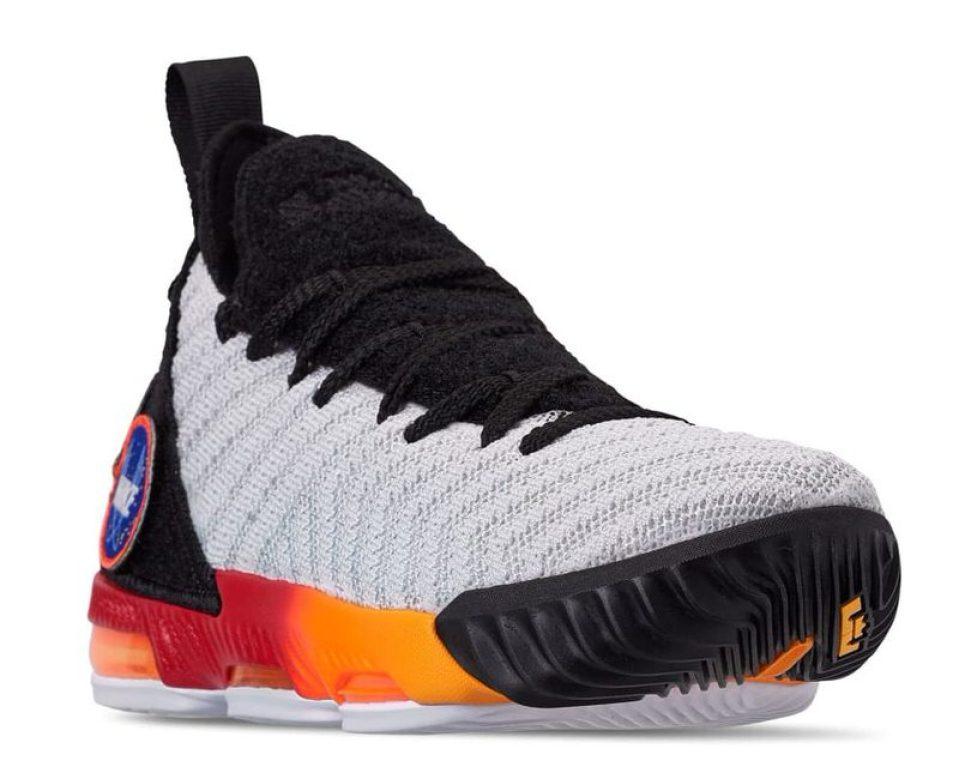 brand new 43e60 70297 Nike LeBron 16 Boys