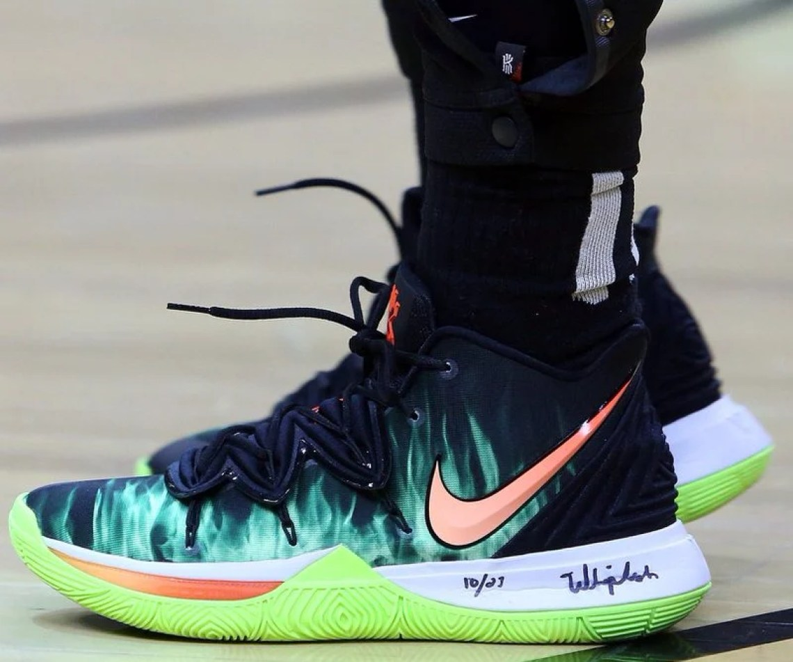 new concept a5f45 7c59c Kyrie Irving in the Nike Kyrie 5 PE vs. Toronto Raptors (Vaughn  Ridley Getty Images) ...