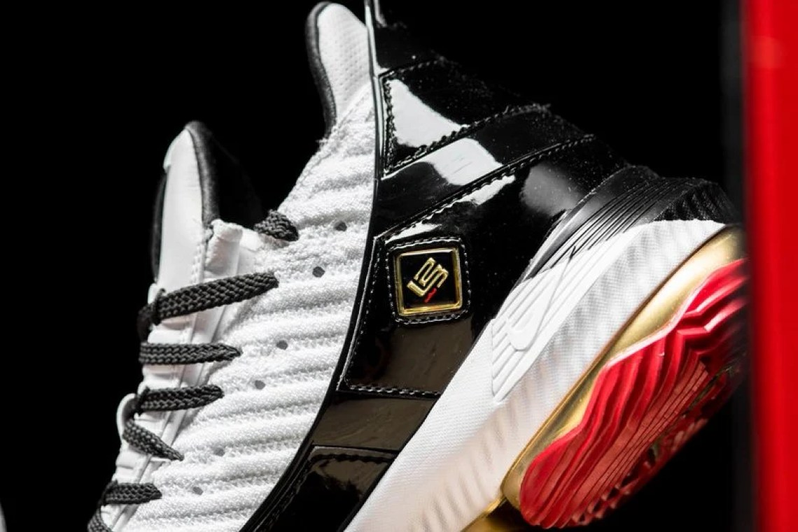 5c9ac7820bb57 A Closer Look at the Nike LeBron 16