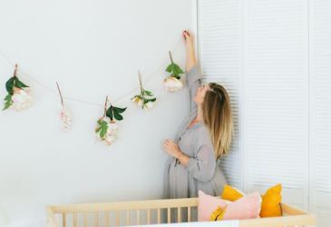 Guirnaldas en el cuarto del bebé