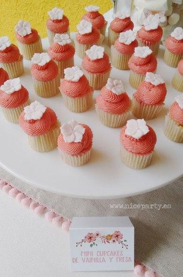 Comunión rustica mesa de dulces (6)