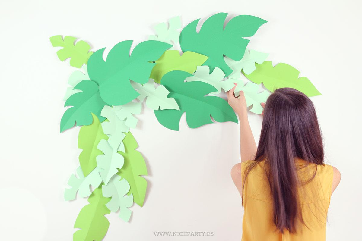 DIY: Cómo hacer un fondo de hojas de cartulina | Niceparty
