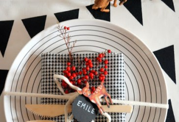 Ideas modernas para la mesa de Navidad: Blanco, negro y rojo