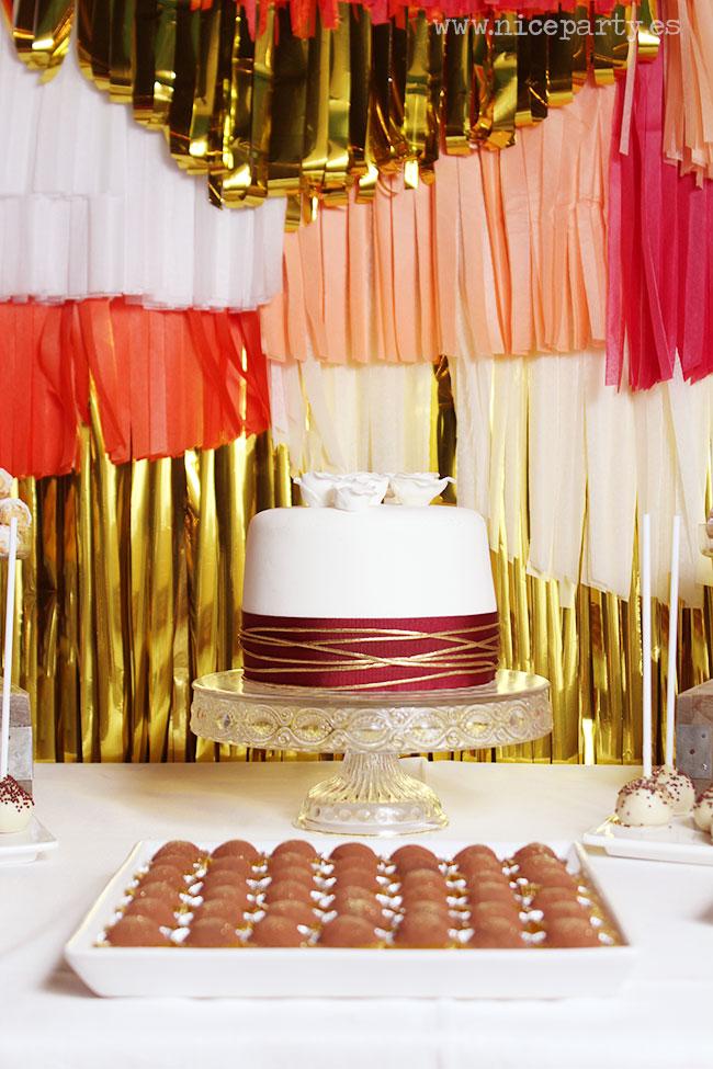 Nice Party mesa de dulces 60 cumpleaños fondo de flecos de papel de seda
