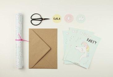 Invitaciones para una fiesta de unicornios