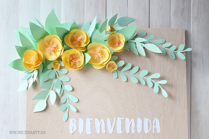 nice-party-cartel-de-madera-y-flores-de-papel-3