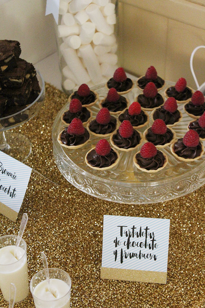 Nice Party fiesta 70 cumpleaños decoración y mesa de dulces dorado (6)