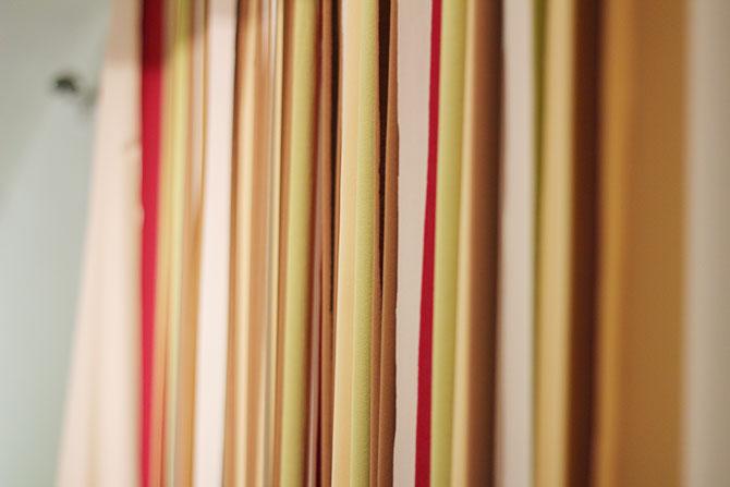 Nice Party fondo decorativo para boda con cintas de tela y pompones (1)