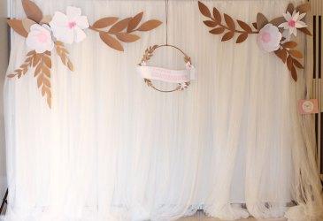 Photocall de tul y flores de papel