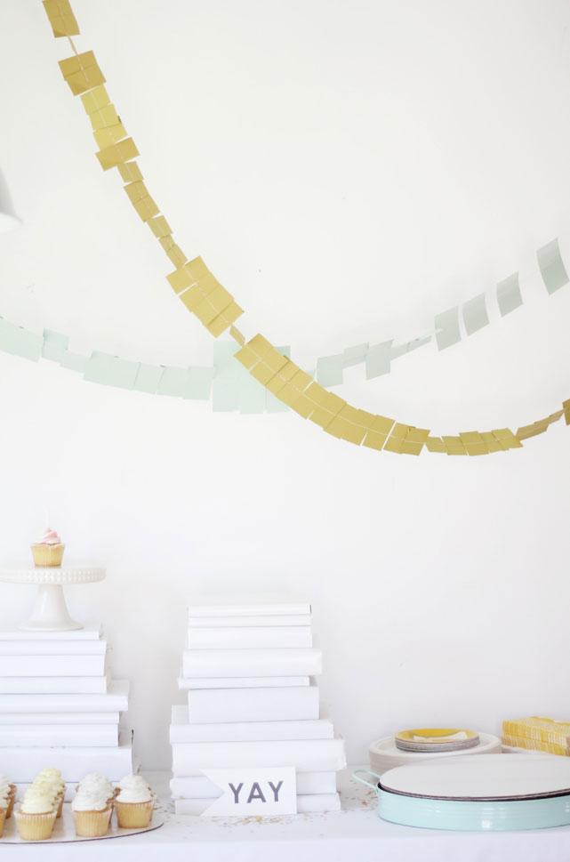 Primer-cumpleaños-blanco-dorado-y-turquesa-01