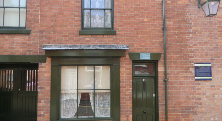 8a Victoria Street, Eastwood. The original mining cottage where DH Lawrence was born on 11th September 1885