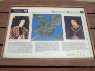 Information board about the Wars of the Roses battle.