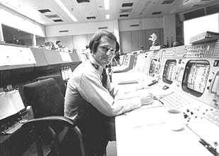 Sy Liebergot at the EECOM console.