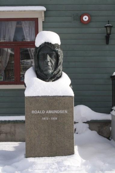 Roald Amundsen statue, one of many, outside Polarmuseet