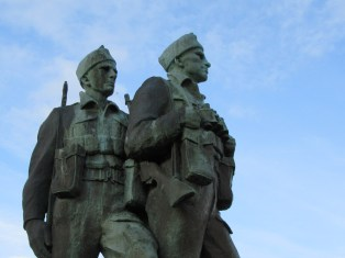 commando-memorial-faces