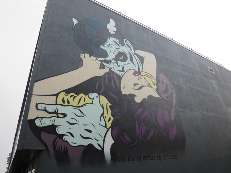 iceland-street-art-vampire-kiss