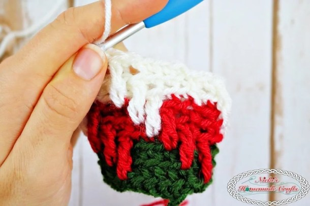 Apache Tears made flat and in a round - Crochet Tutorial by Nicki's Homemade Crafts #crochet #tutorial #Apachetears #howto #learn