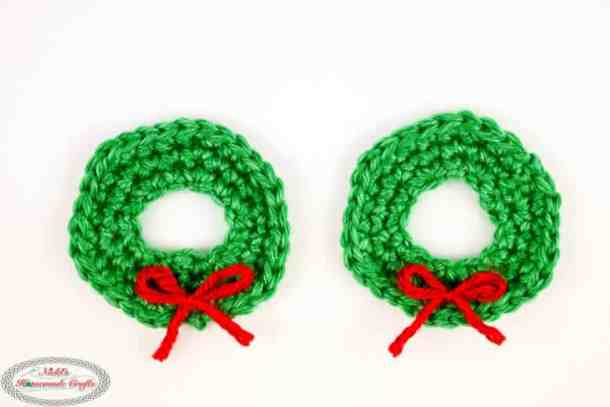 Tiny Christmas Wreath for Gingerbread House