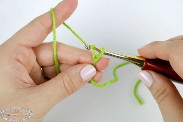 How to crochet one chain