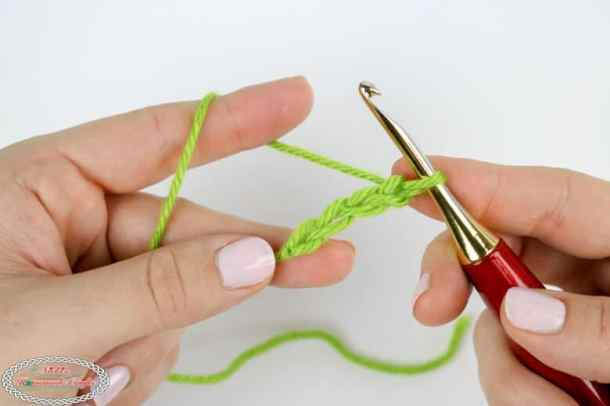 learn how to crochet a chain