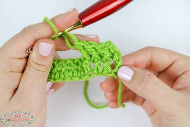 row of front post double crochet stitches
