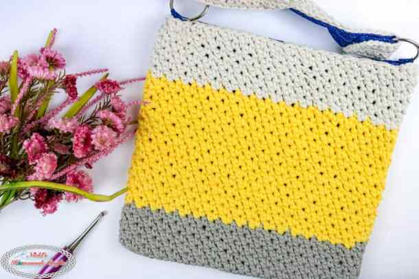 Simple Summer Crochet Bag with flowers
