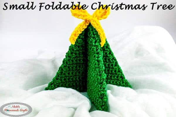 Small Foldable Christmas Tree - Easy and Free Crochet Pattern