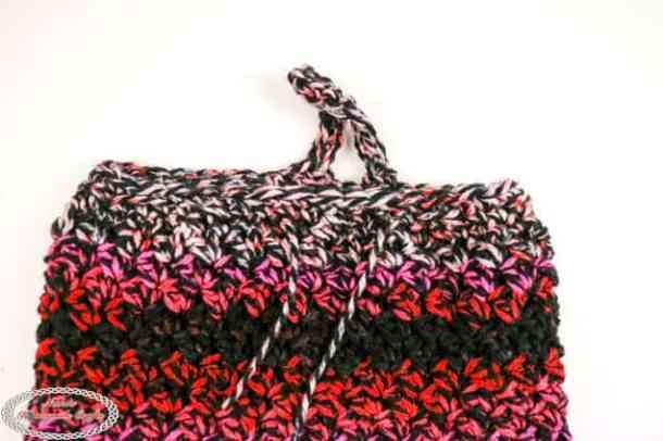 opening of plastic bag holder crocheted