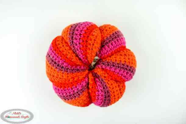 Spiral Pumpkin Free Crochet Pattern To Spice Up Your Home Decor