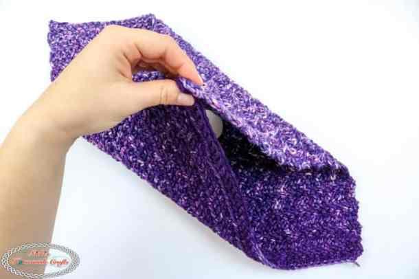 folding to Reindeer washcloth