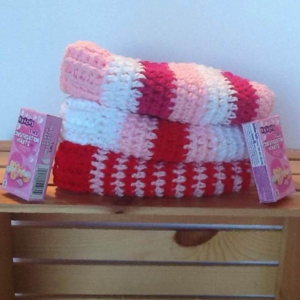 Love My Messy Bun - Free Crochet Pattern - Countdown to valentine's Day