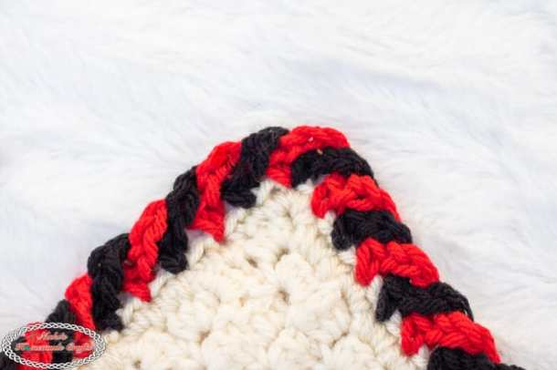 Crochet Candy Cane Border corner