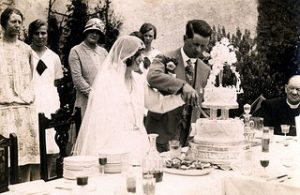 old wedding cake cutting