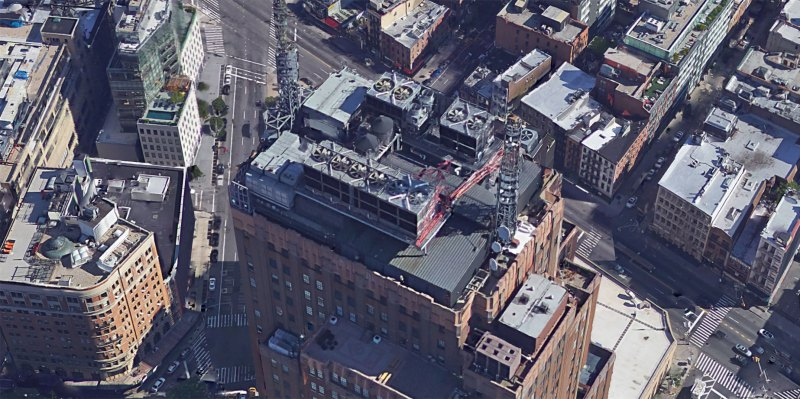 It's this building, but not in this direction - see the HVAC units.