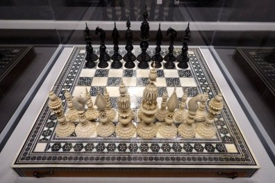 Indian Sadeli-work Chessboard, 1850, with Samuel Pepys Black and White Ivory Set, 1870