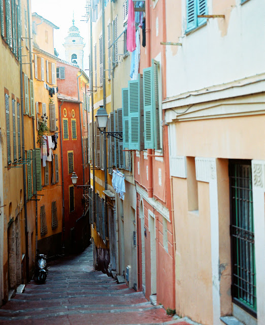Exploring the old town of Nice