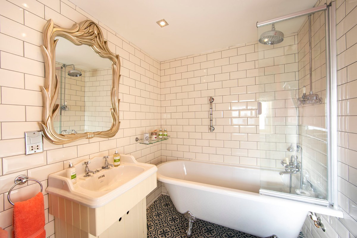 The Snug bathroom, Lymington