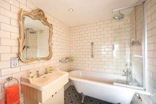 The Snug bathroom, Lymington