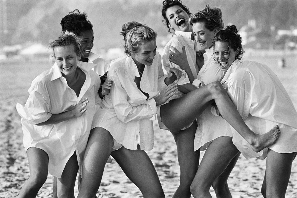 Estelle Lefébure, Karen Alexander, Rachel Williams, Linda Evangelista, Tatjana Patitz et Christy Turlington  (1988)  Photo Courtesy of Peter Lindbergh, Paris