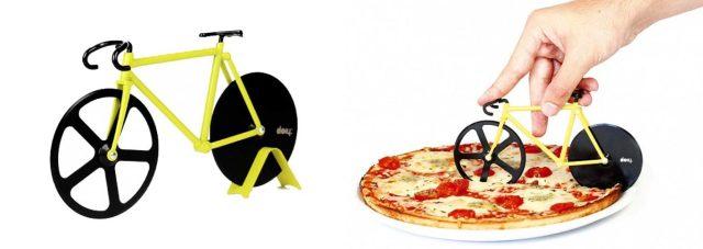 http://queregalosoriginales.com/2014/11/cortapizzas-con-forma-de-bicicleta-una-combinacion-que-sorprende/