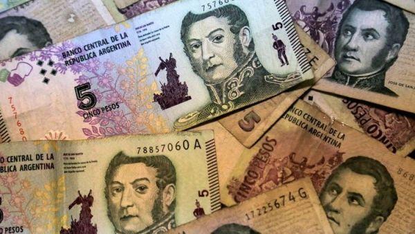 Collage billetes 5 pesos