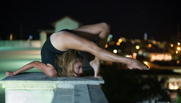 NicoleWinterContortion04