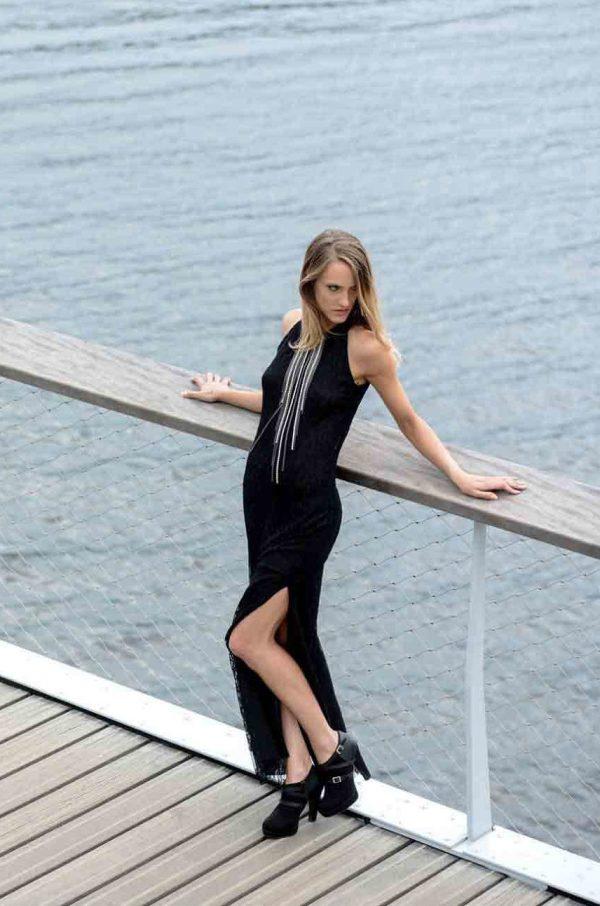 robe longue noire en dentelle