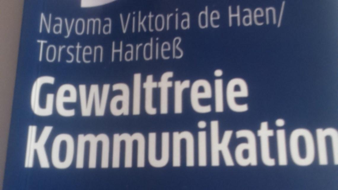"""Buchrezension: """"30 Minuten Gewaltfreie Kommunikation"""""""