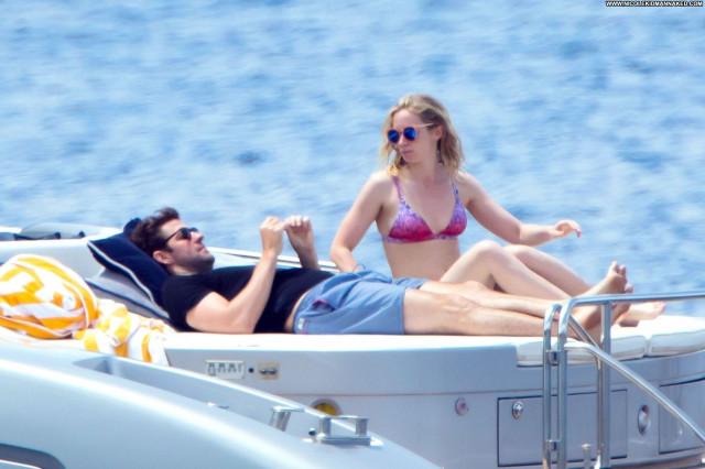 Kristen Stewart No Source Bus Videos Asian Hot Bikini Celebrity Babe