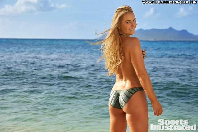 Lindsey Vonn Sports Illustrated Swimsuit Babe Celebrity Sports Posing