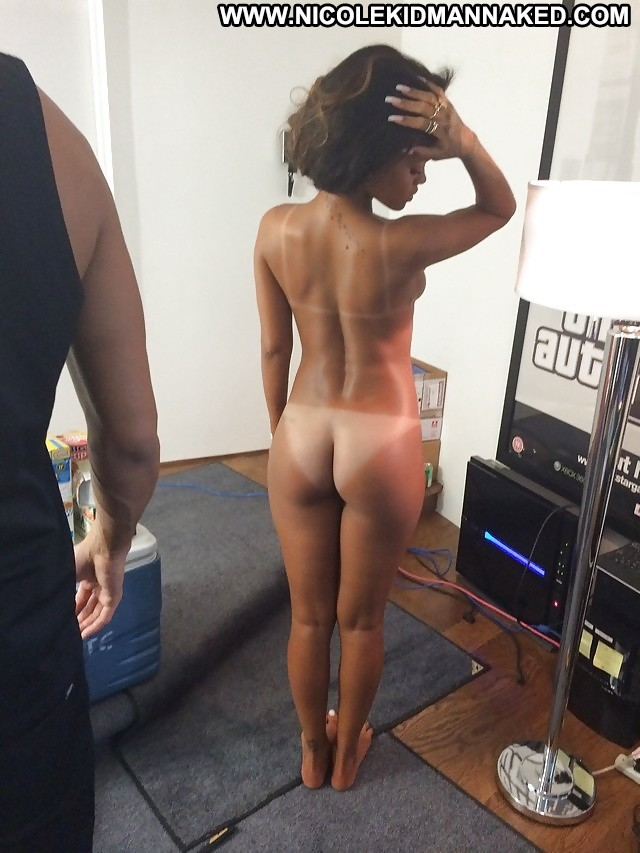 Rihanna Pictures Celebrity Leaked Nude Ebony Tits Hacked Posing Hot