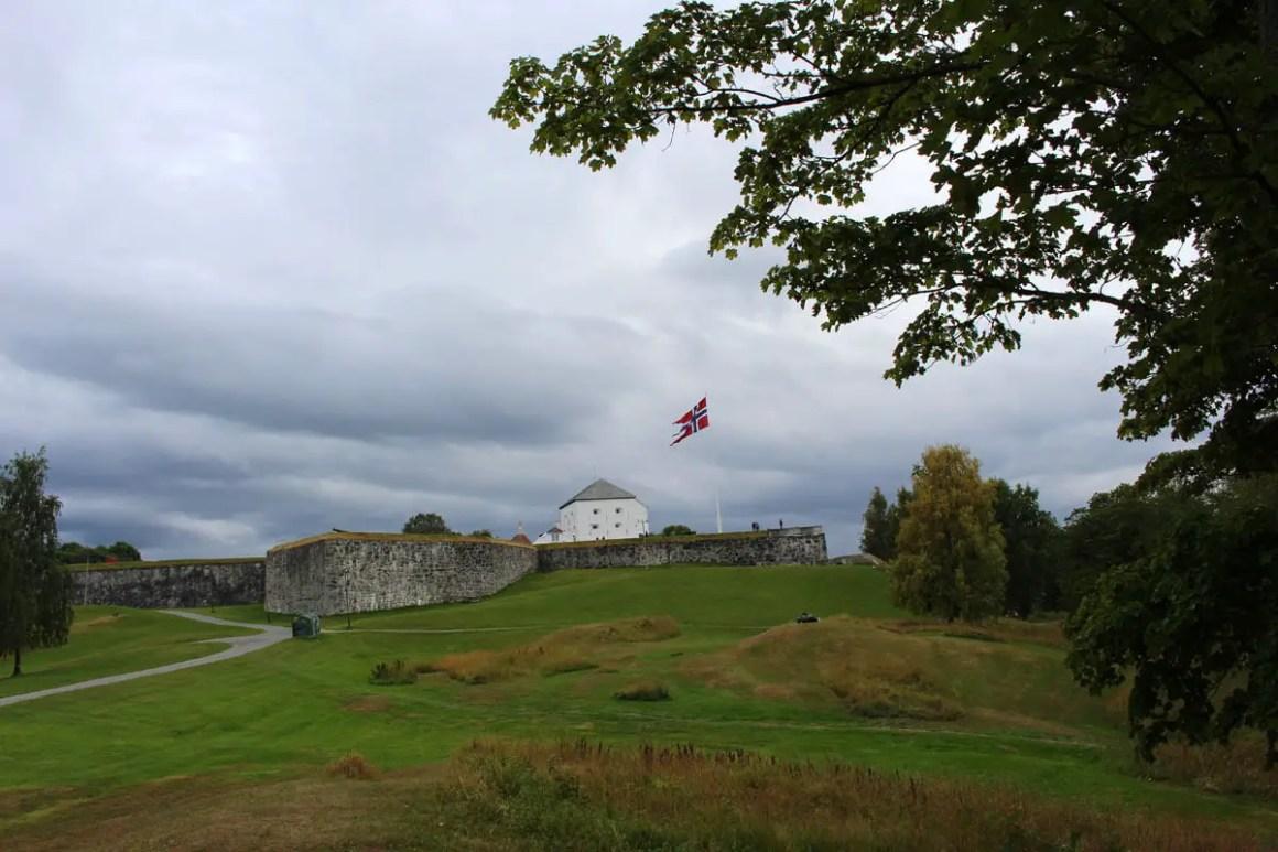 """-trondheim-travel-tips-tondelag-travel-tips-noorwegen-travel-blog-5-places-fortress-kristiansen"" width = ""1200"" height = ""800"" data-wp-pid = ""10201"" srcset = ""https: // www. nicolos-reiseblog.de/wp-content/uploads/2019/04/sehenswuerdigkeiten-trondheim-reisetipps-tondelag-reisetipps-norwegen-reiseblog-5-orte-festung-kristiansen.jpg 1200w, https: //www.nicolos-reiseblog .com / wp-content / uploads / 2019/04 / sightseeing-trondheim-travel-tips-tondelag-travel-tips-noorwegen-travel-blog-5-places-fortress-kristiansen-300x200.jpg 300w, https: //www.nicolos-reiseblog. DE / wp-content / uploads / 2019/04 / sightseeing-trondheim-travel-tips-tondelag-travel-tips-norwegen-travel-blog-5-places-fortress-kristiansen-1024x683.jpg 1024w, https://www.nicolos-reiseblog.de /wp-content/uploads/2019/04/sehenswuerdigkeiten-trondheim-tour-tips-tondelag-travel-tips-norwegen-reiseblog-5-orte-festung-kristiansen-50x33.jpg 50w, https://www.nicolos-reiseblog.de/ wp-content / uploads / 2019/04 / Monumenten-Trondheim-reisadvies-Tonde travel-tips-noorwegen-travel-blog-5-place-fortress-kristiansen-800x533.jpg 800w ""sizes ="" (max-width: 1200px) 100vw, 1200px ""/></p data-recalc-dims="